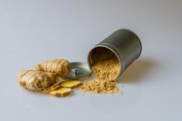Fresh and ground ginger